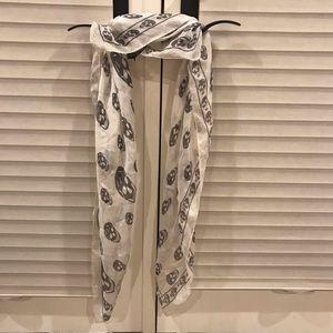 Alexander McQueen Silk Skull Scarf/Wrap White+Blk